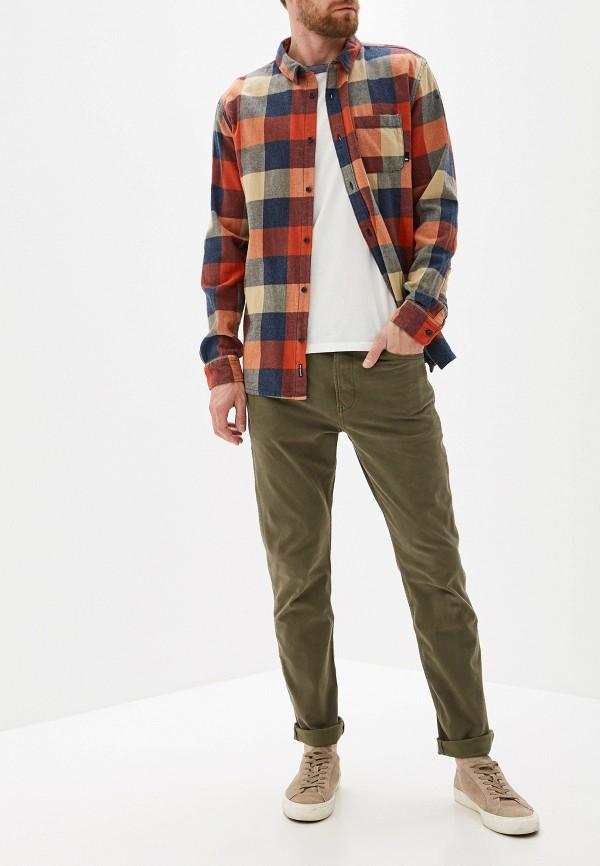 Фото 2 - мужские брюки Quiksilver цвета хаки