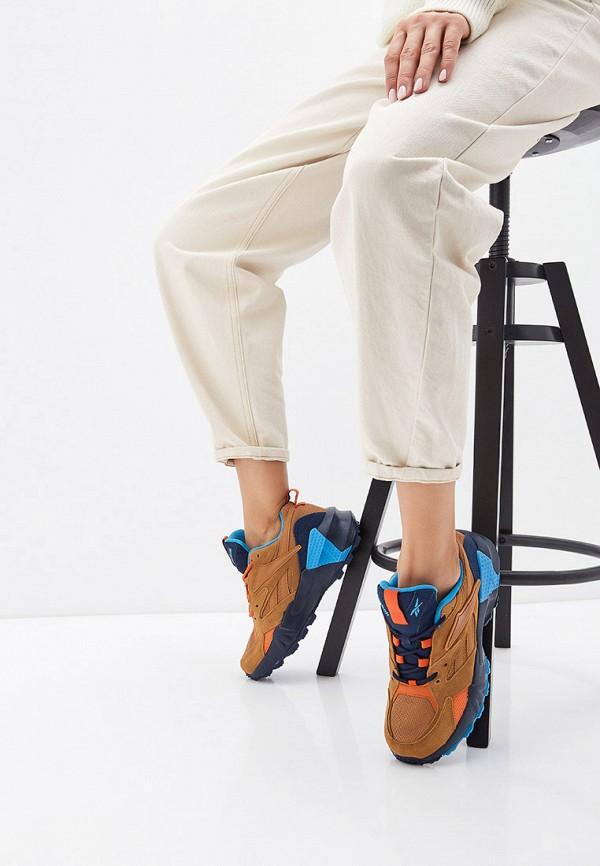 Фото 6 - женские кроссовки Reebok Classics коричневого цвета