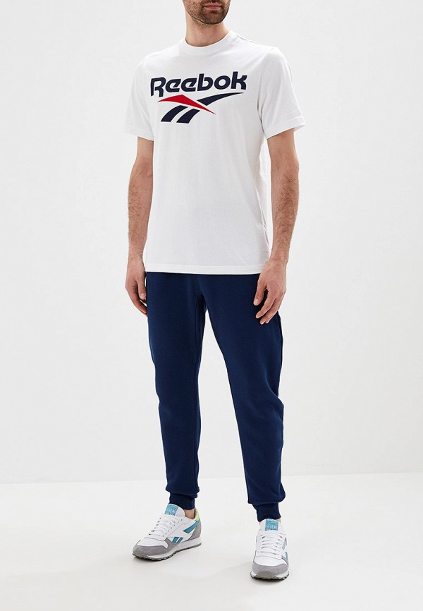 Фото 2 - мужскую футболку Reebok Classics белого цвета