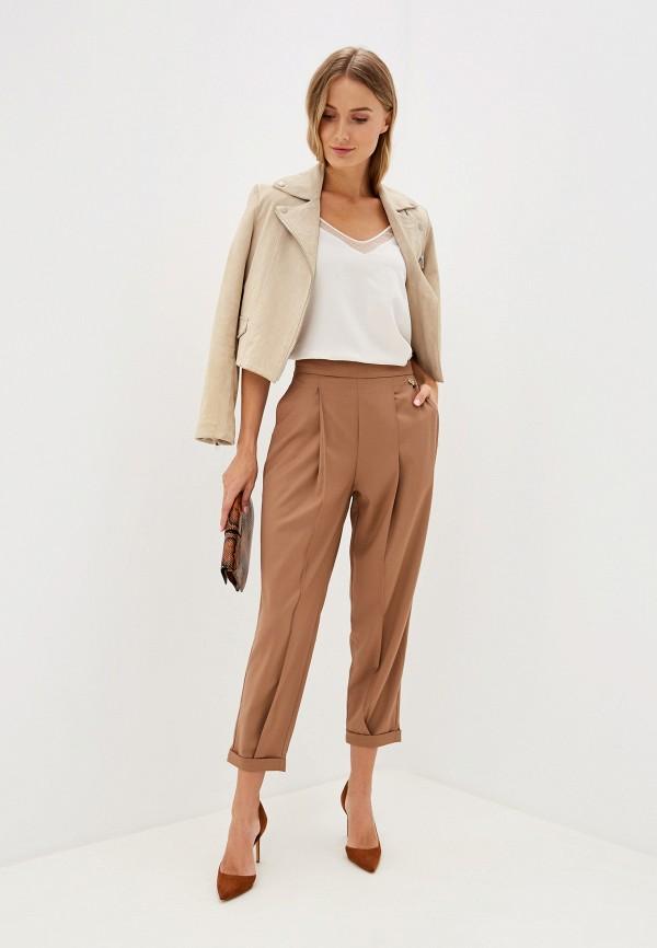 Фото 2 - женские брюки Rinascimento бежевого цвета