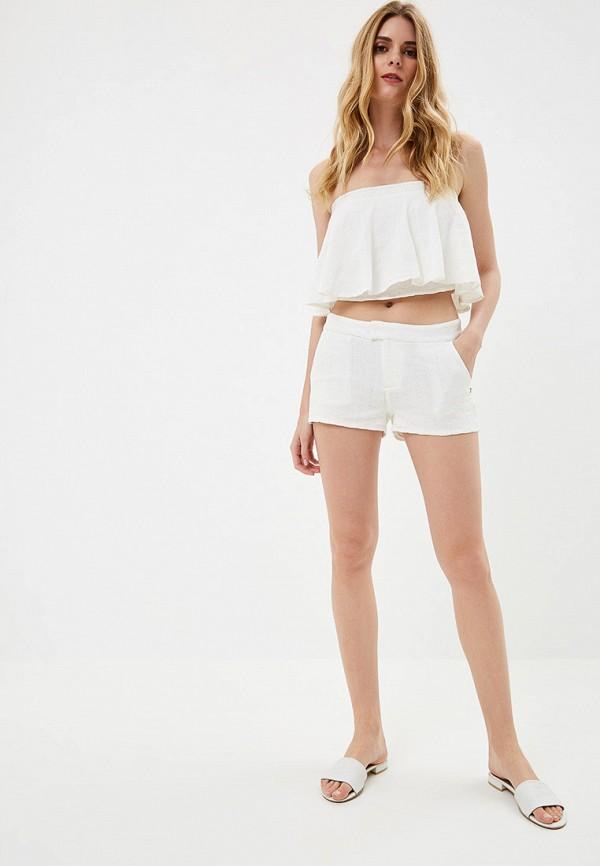 Фото 2 - женские шорты Roxy белого цвета