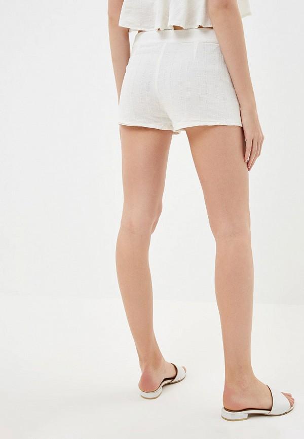 Фото 3 - женские шорты Roxy белого цвета