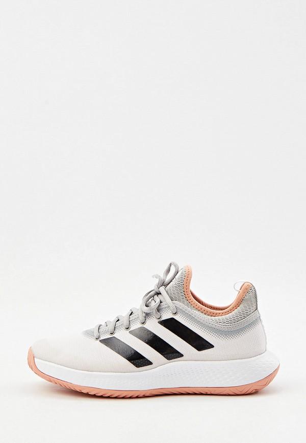 Кроссовки adidas бежевого цвета