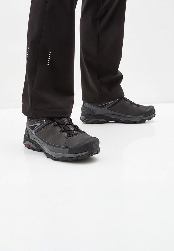 Фото 5 - мужские кроссовки Salomon серого цвета