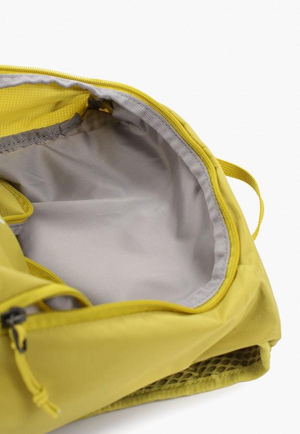 Фото 3 - мужской рюкзак Salomon желтого цвета