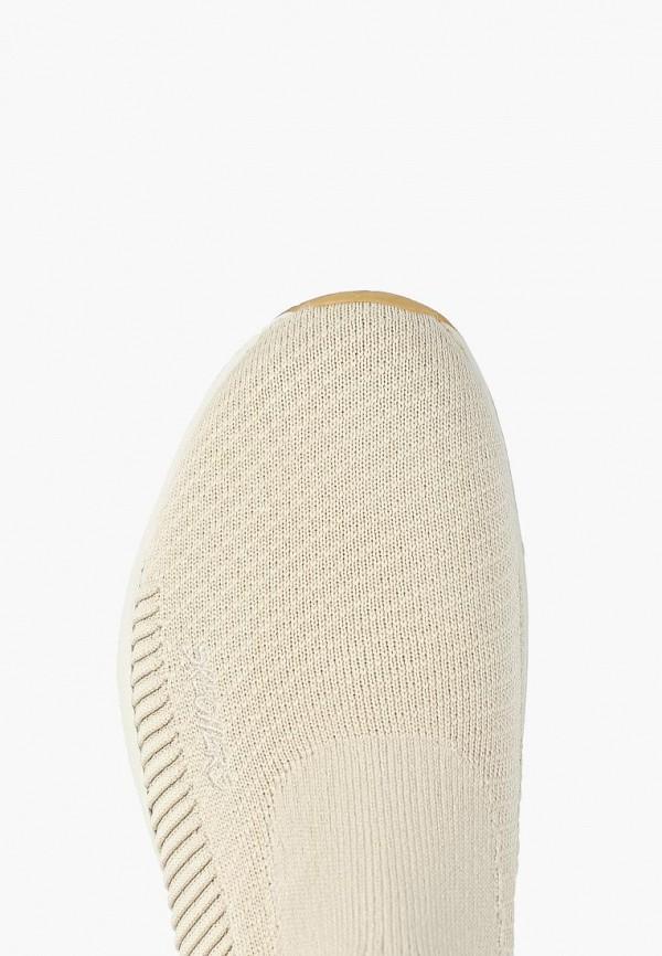Фото 4 - женские кроссовки Skechers бежевого цвета