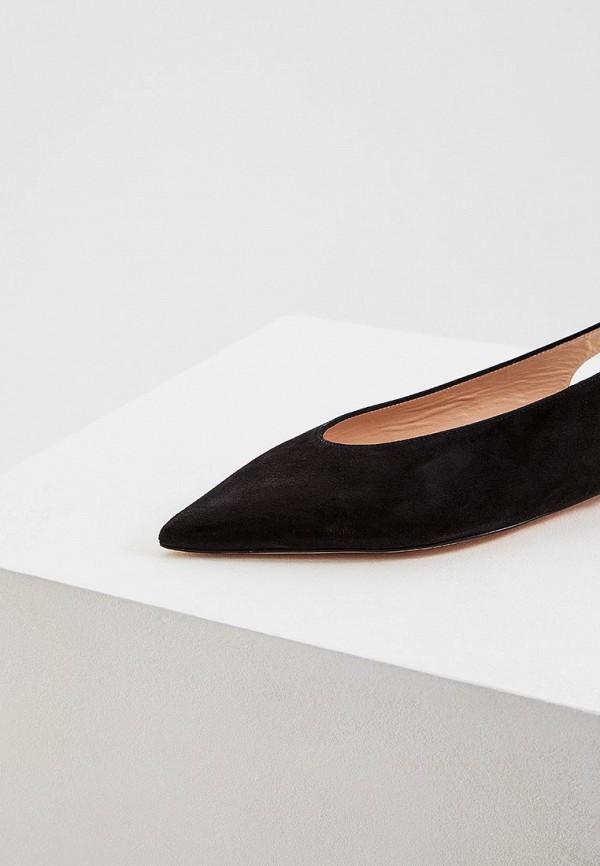 Фото 2 - женские туфли Stuart Weitzman черного цвета