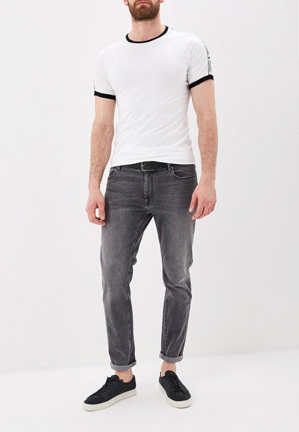 Фото 2 - мужскую футболку Terance Kole белого цвета