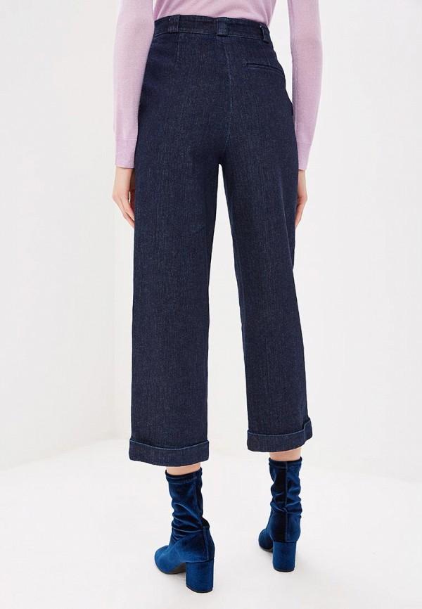 Фото 3 - женские джинсы Theory синего цвета