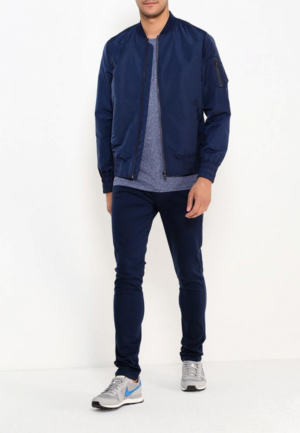 Фото 2 - мужские брюки Topman синего цвета