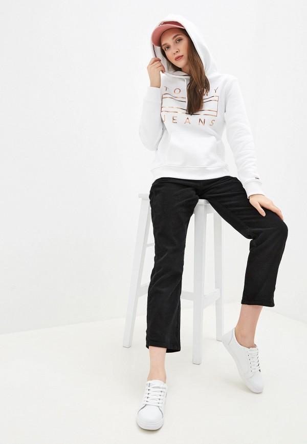 Фото 2 - женские брюки Tommy Jeans черного цвета