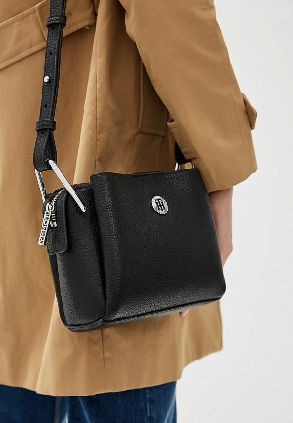 Фото 4 - Женскую сумку Tommy Hilfiger черного цвета