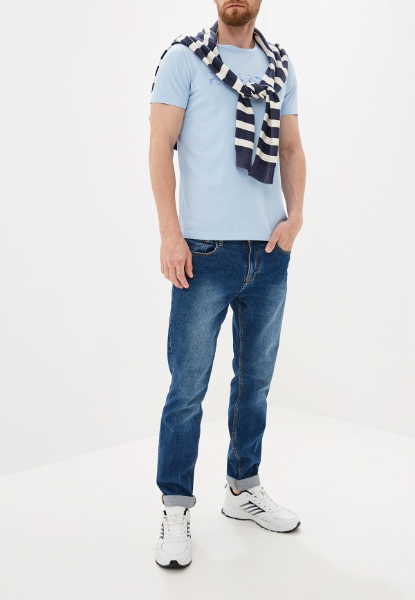Фото 2 - Мужскую футболку Tommy Hilfiger голубого цвета