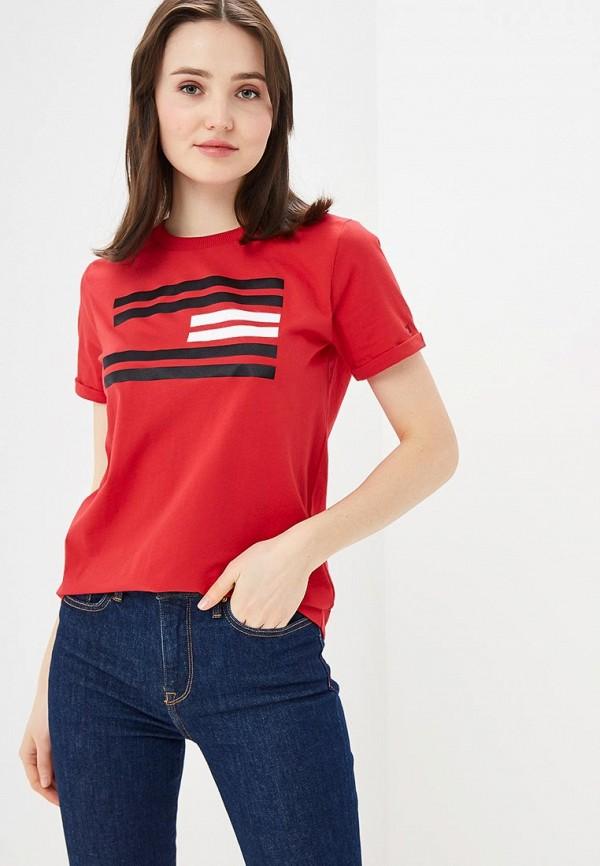 Фото - женскую футболку Tommy Hilfiger красного цвета