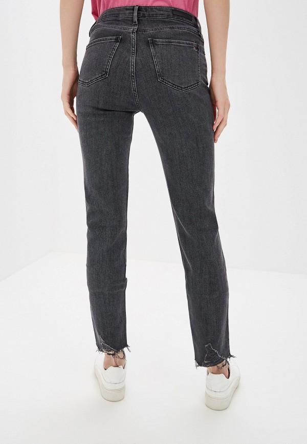 Фото 3 - женские джинсы Tommy Hilfiger серого цвета