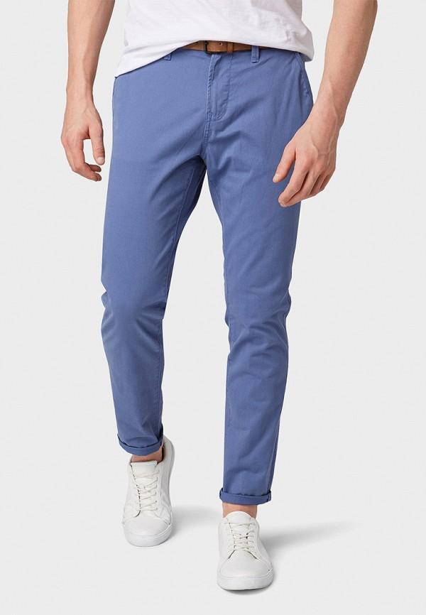 Фото - мужские брюки Tom Tailor Denim синего цвета