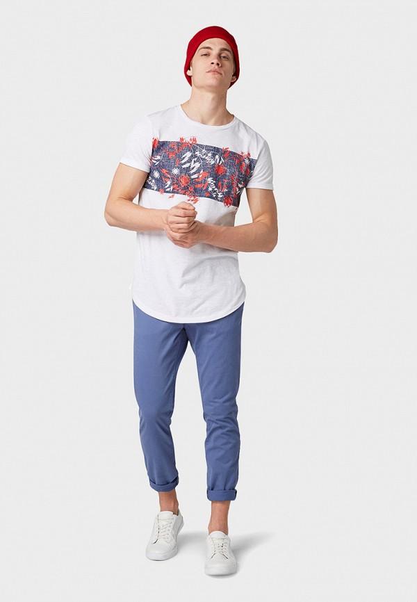 Фото 2 - мужские брюки Tom Tailor Denim синего цвета