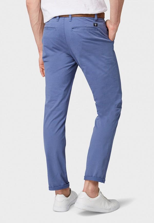 Фото 3 - мужские брюки Tom Tailor Denim синего цвета