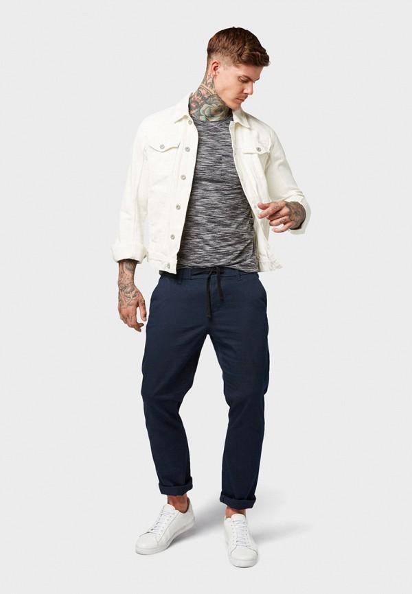 Фото 2 - мужскую футболку Tom Tailor Denim серого цвета