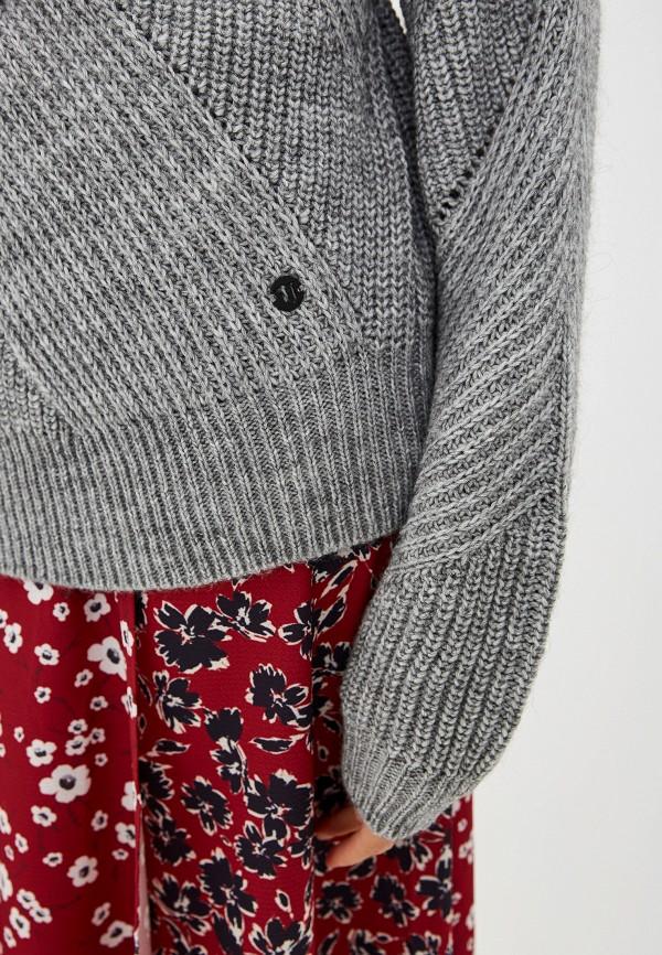 Фото 4 - женский свитер Trussardi Jeans серого цвета