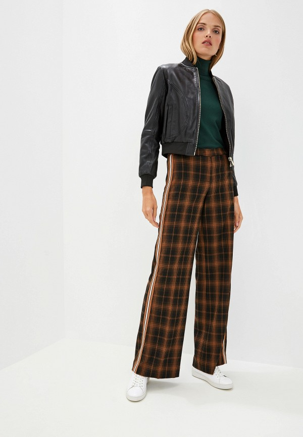 Фото 2 - женские брюки Trussardi Jeans коричневого цвета