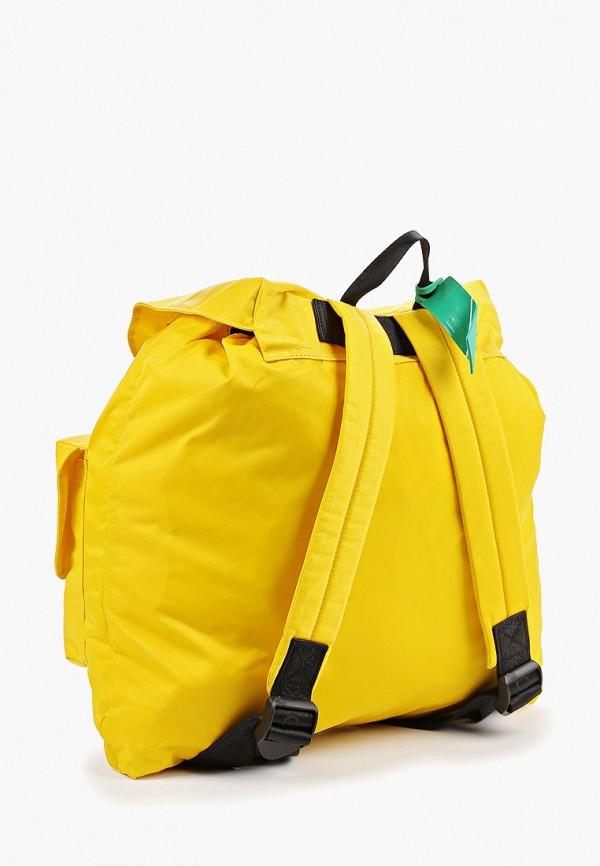 Фото 2 - мужской рюкзак United Colors of Benetton желтого цвета
