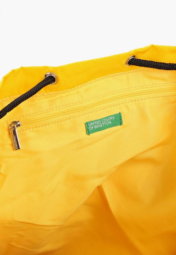 Фото 3 - мужской рюкзак United Colors of Benetton желтого цвета