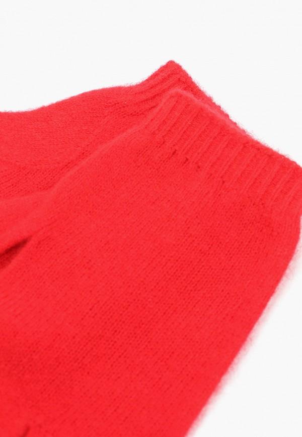 Фото 2 - женские текстильные перчатки United Colors of Benetton красного цвета