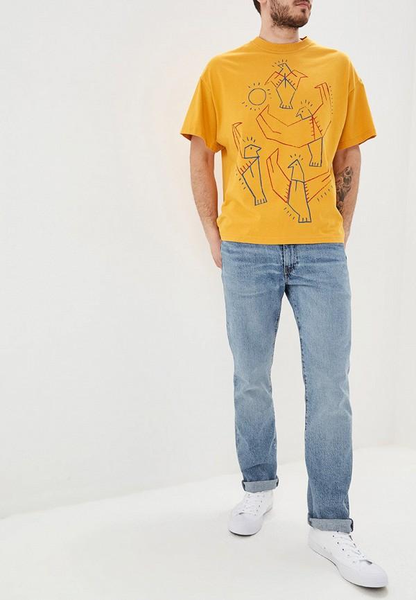 Фото 2 - мужскую футболку United Colors of Benetton желтого цвета
