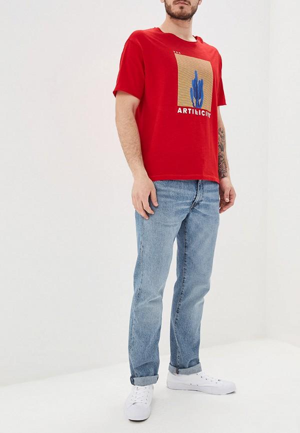 Фото 2 - мужскую футболку United Colors of Benetton красного цвета