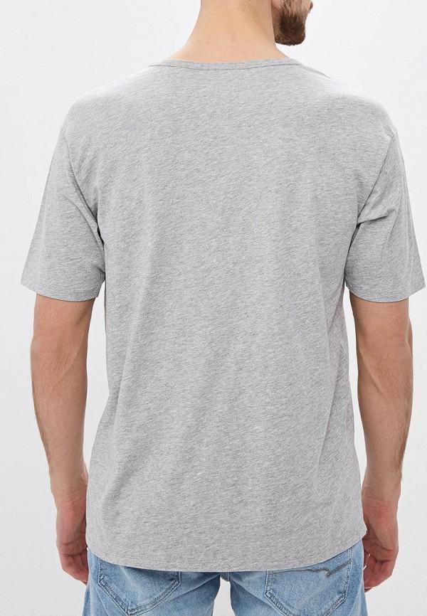 Фото 3 - мужскую футболку United Colors of Benetton серого цвета