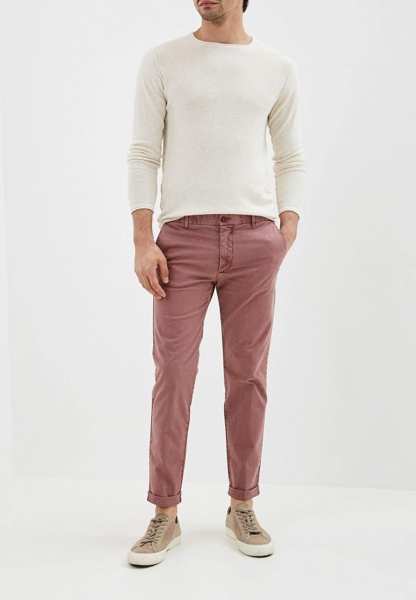 Фото 2 - Мужские брюки United Colors of Benetton розового цвета