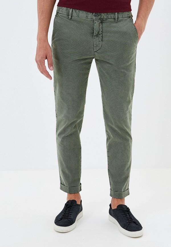 Фото - Мужские брюки United Colors of Benetton зеленого цвета