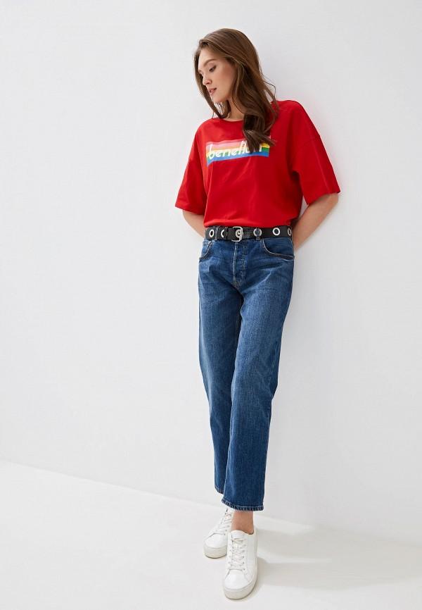 Фото 2 - женскую футболку United Colors of Benetton красного цвета