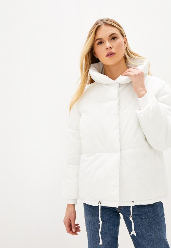 Фото - Куртку утепленная Vagi белого цвета