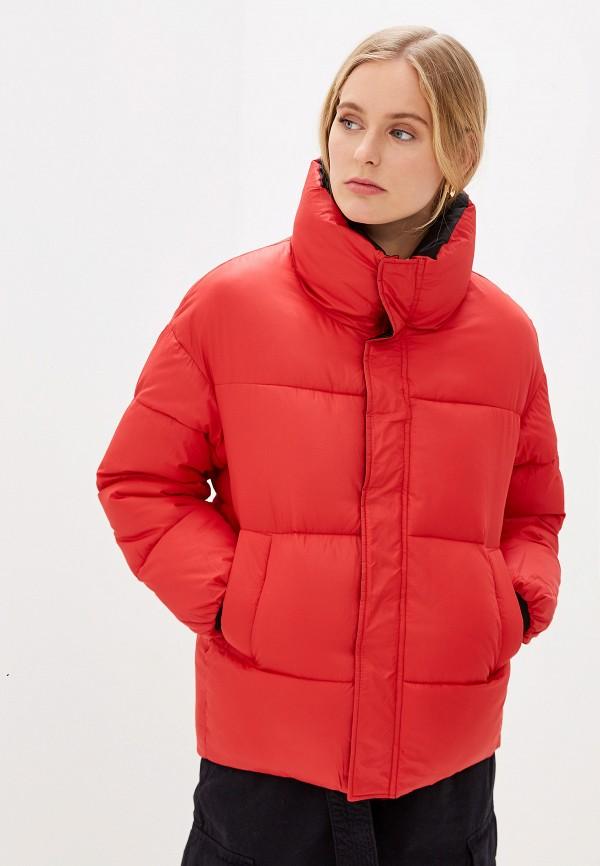 Фото - Куртку утепленная Vagi красного цвета