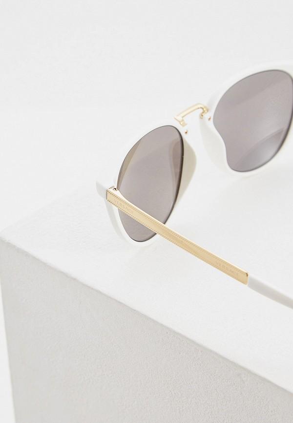 Фото 4 - Очки солнцезащитные Versace белого цвета