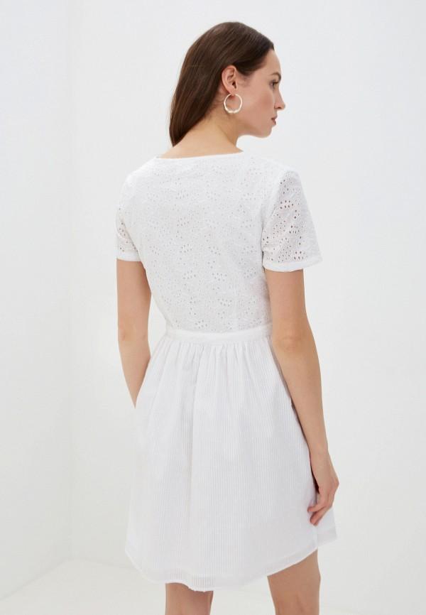 Фото 3 - женское платье Vila белого цвета