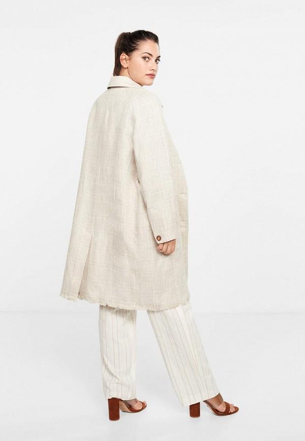 Фото 3 - женское пальто или плащ Violeta by Mango бежевого цвета