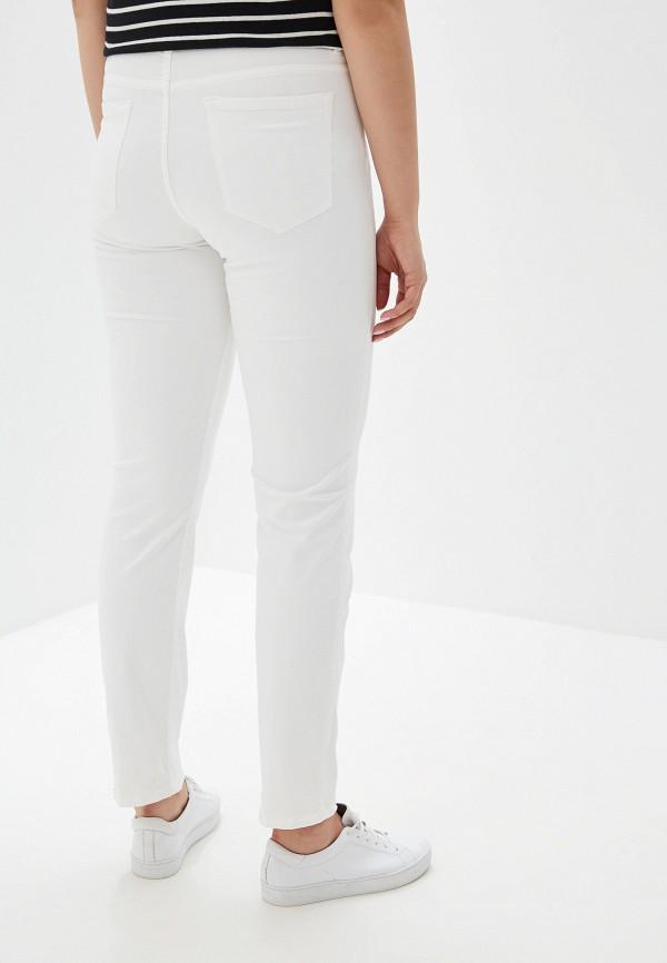 Фото 3 - женские джинсы Violeta by Mango белого цвета