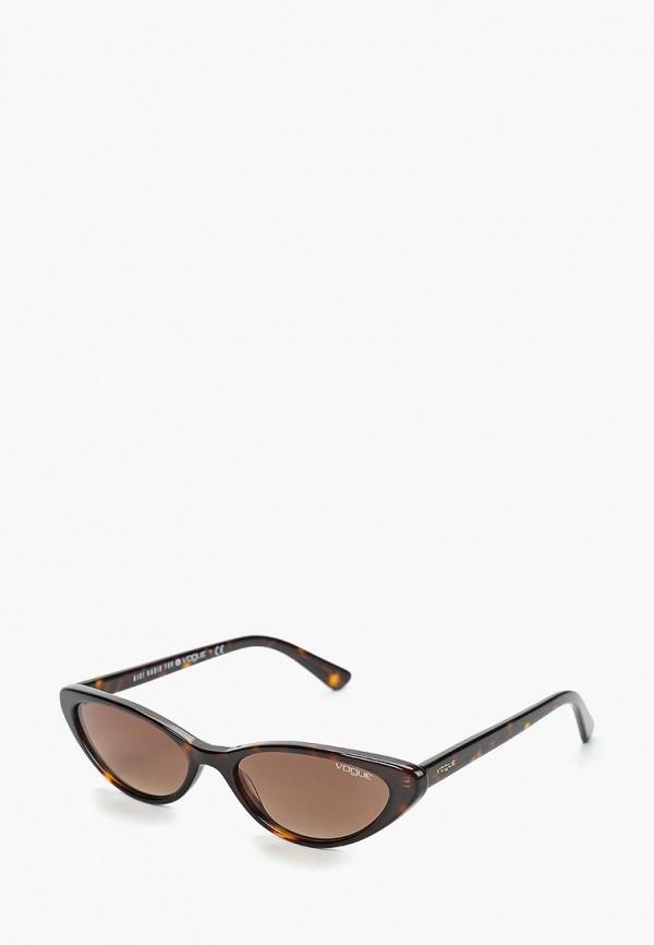 Фото 5 - Очки солнцезащитные Vogue® Eyewear коричневого цвета