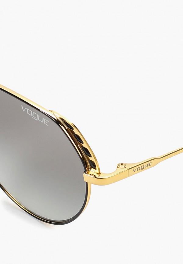 Фото 2 - Очки солнцезащитные Vogue® Eyewear черного цвета