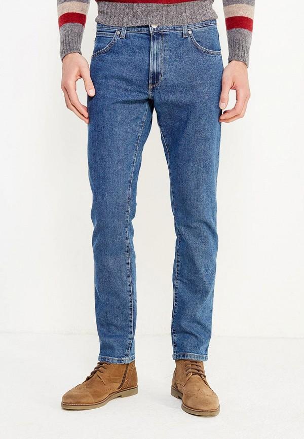 Фото - мужские джинсы Wrangler синего цвета