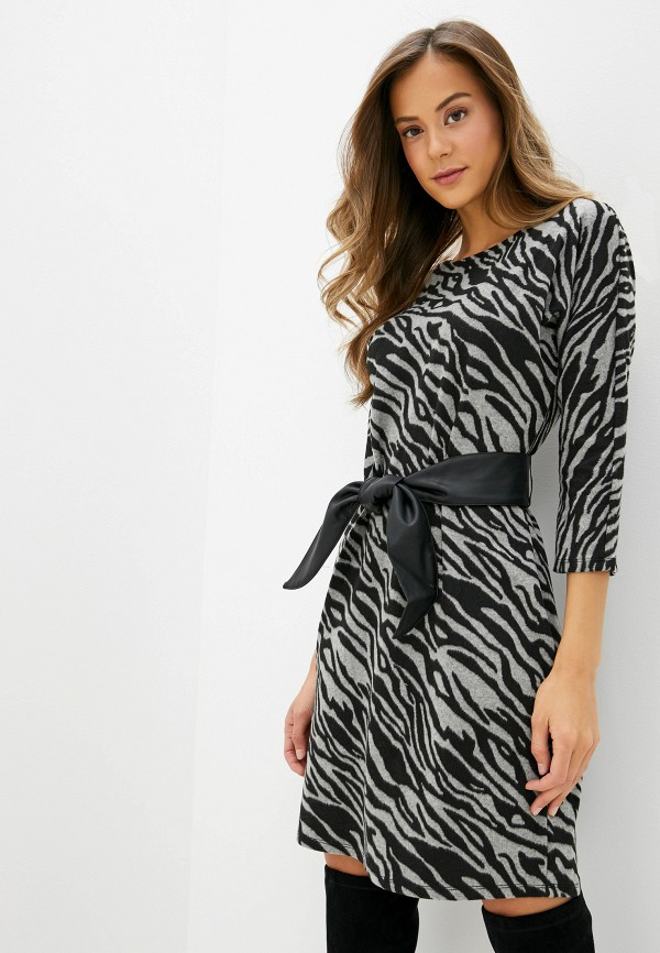 Фото - женское вязаное платье Zarina серого цвета