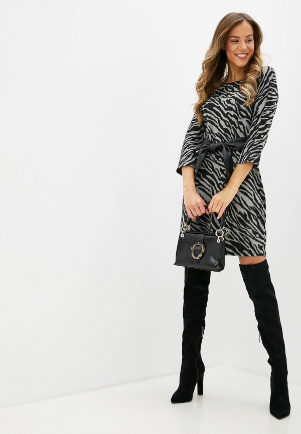 Фото 2 - женское вязаное платье Zarina серого цвета