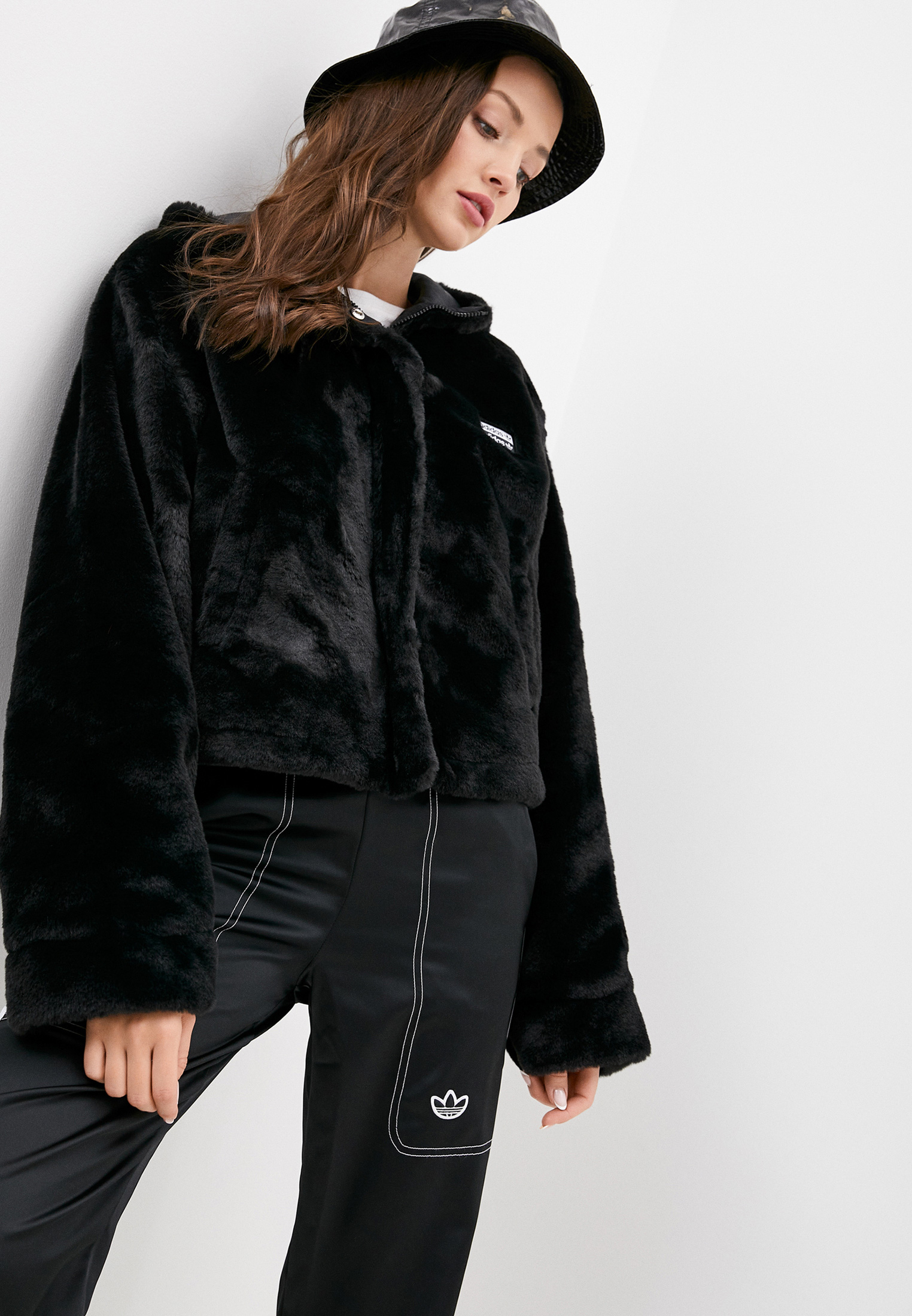 Женская верхняя одежда Adidas Originals (Адидас Ориджиналс) GD3965
