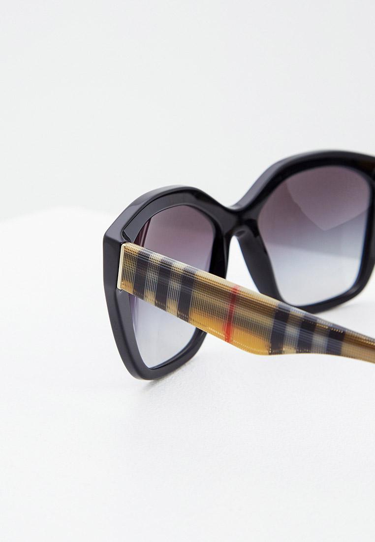Женские солнцезащитные очки Burberry 0BE4261: изображение 4