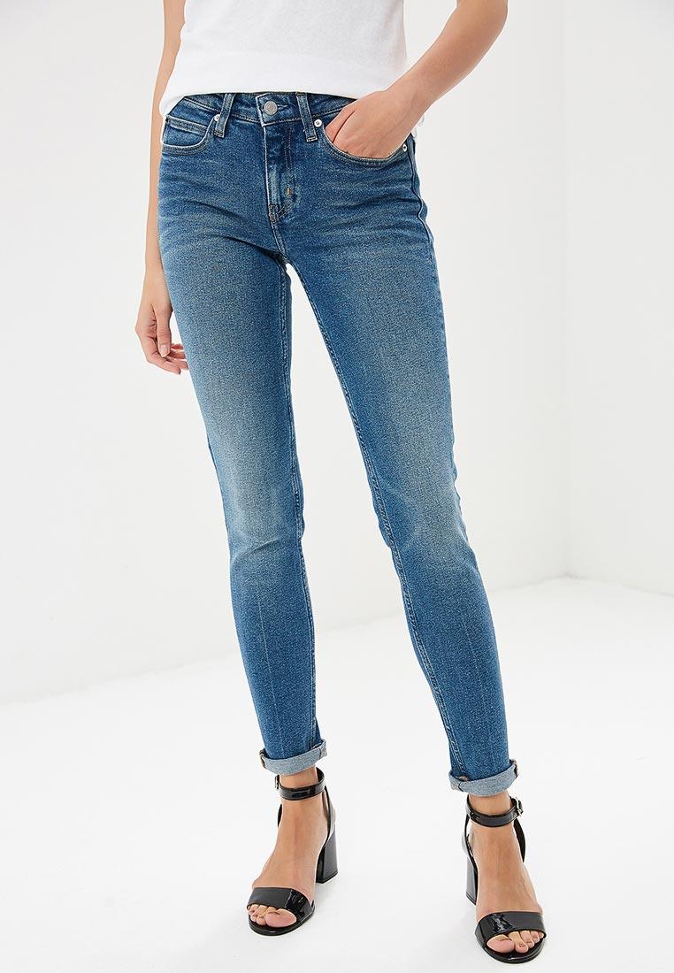 df5acf48bf718 Зауженные джинсы женские Calvin Klein Jeans J20J207636 купить за ...