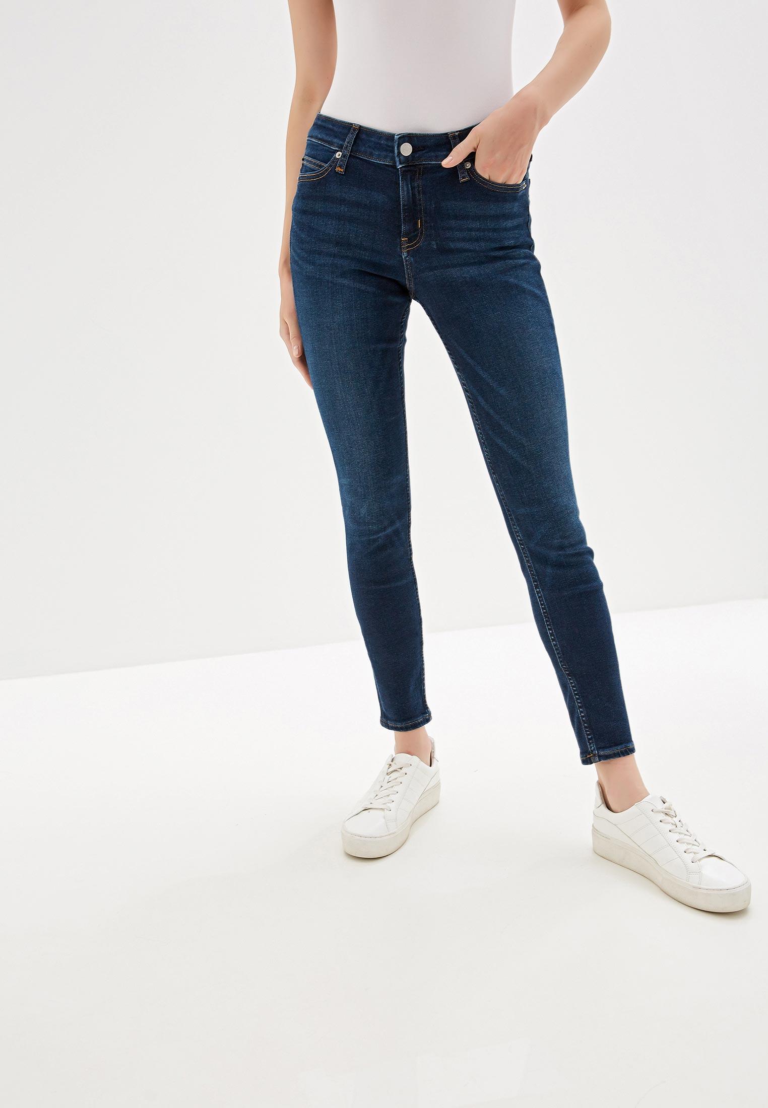 Зауженные джинсы Calvin Klein Jeans J20J211404