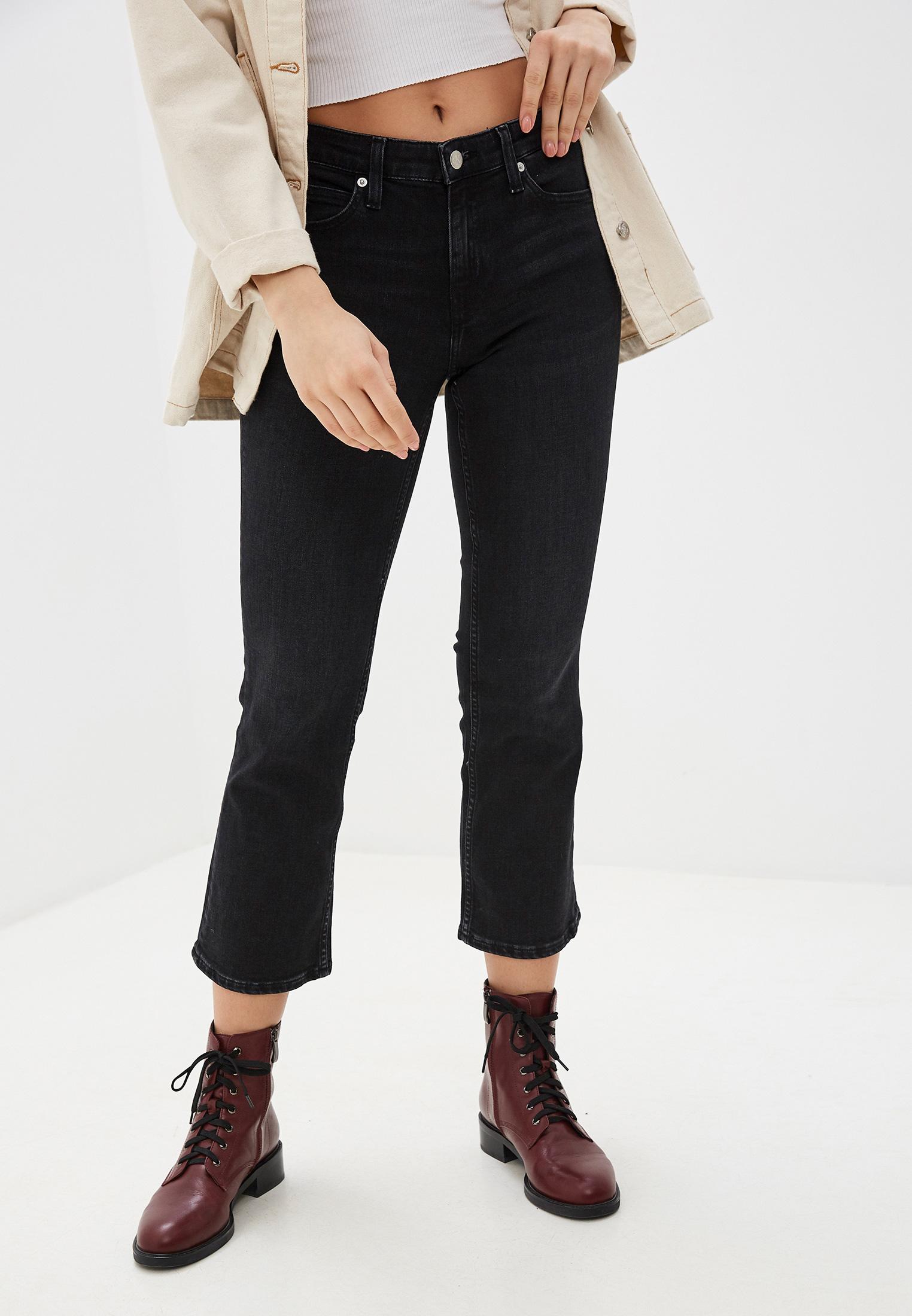 Широкие и расклешенные джинсы Calvin Klein Jeans J20J212768
